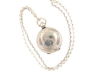 Sterling silver Sovereign Case with chain