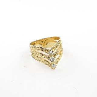18ct yellow gold fancy diamond set dress ring