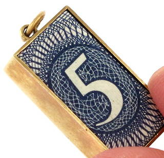 9ct yellow gold 'bank note' charm