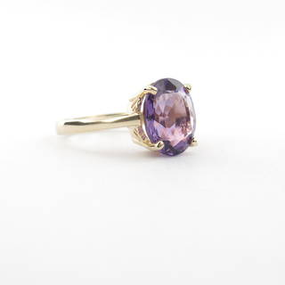 14ct yellow gold vintage style amethyst ring