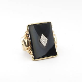 10ct yellow and white gold vintage onyx and diamond set ring