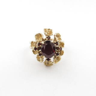 9ct yellow gold unique garnet cluster ring