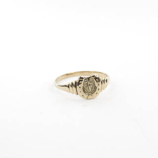 9ct yellow gold horse shoe dress ring