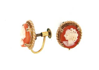 9ct yellow gold cameo
