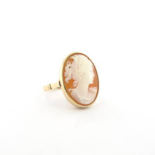 9ct yellow gold vintage cameo ring