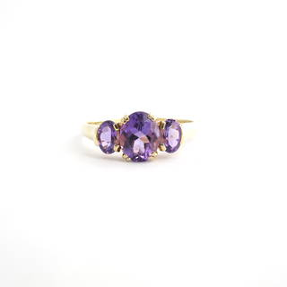 9ct yellow gold 3 stone amethyst ring