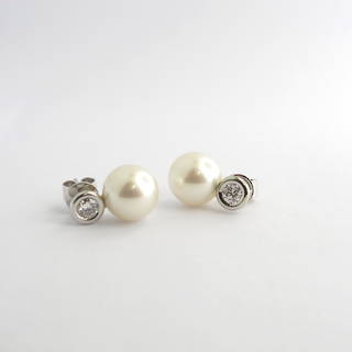 18ct white gold South Sea pearl and diamond stud earrings