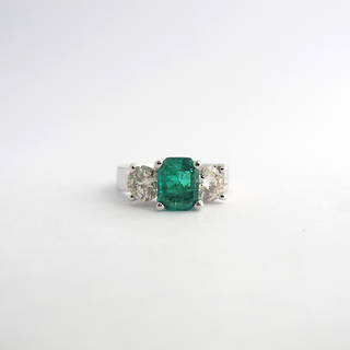 14ct white gold emerald and diamond ring