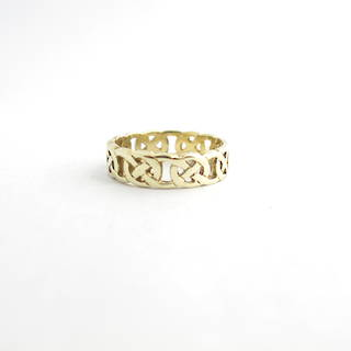 9ct yellow gold British Hallmarked celtic style dress ring