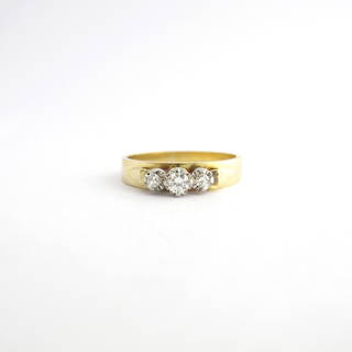 18ct yellow gold and platinum vintage 3 stone diamond ring