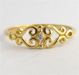9ct yellow gold heart motif diamond set dress ring