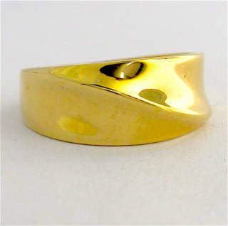 9ct yellow gold fancy band