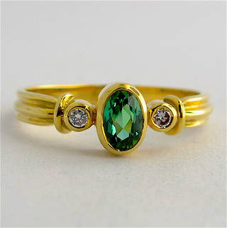 18ct yellow gold green tourmaline and diamond ring