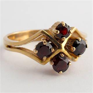 9ct yellow gold 4 stone garnet ring