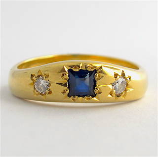 18ct yellow gold sapphire and diamond set vintage style ring