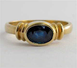 9ct yellow gold modern sapphire dress ring