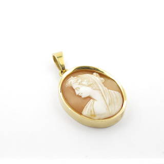 18ct yellow gold shell cameo pendant