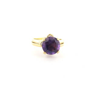 18ct yellow gold Amethyst and diamond ring