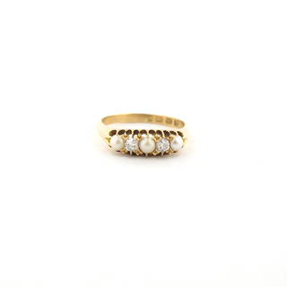 Antique 18ct yellow gold diamond and pearl set ring