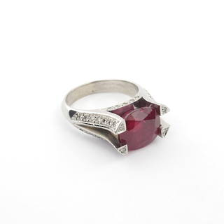 18ct white gold ruby and diamond set ring