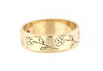 9ct yellow gold band with design