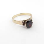 9ct yellow gold solitaire garnet ring