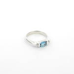 9ct white gold and blue topaz and diamond set dress ring