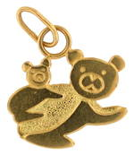 18ct yellow gold 'Bear and baby' charm