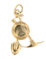 9ct yellow gold 'Gold panning set' charm