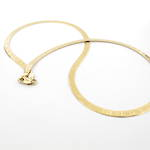 18ct yellow gold roman numeral patterned necklace