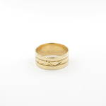 18ct yellow gold engraved band ring
