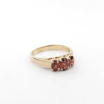 9ct yellow gold garnet set ring