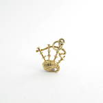 9ct yellow gold bagpipes charm