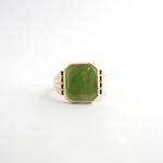 9ct yellow gold greenstone signet ring