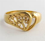 9ct yellow gold fancy heart dress ring