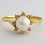 14ct yellow gold cultured pearl and diamond dress ring