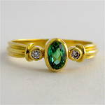18ct yellow gold green tourmaline and diamond ring