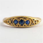 9ct yellow gold vintage style sapphire dress ring