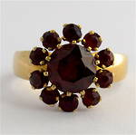 9ct yellow gold garnet cluster dress ring