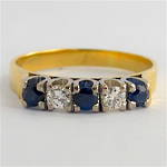 18ct yellow & white gold sapphire and diamond ring