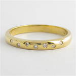 9ct yellow gold diamond band