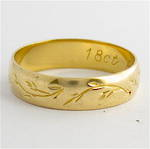 18ct yellow gold vintage patterned band