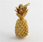 9ct yellow gold pineapple charm