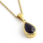 18ct yellow gold British hallmarked teardrop shape cabochon amethyst pendant and chain
