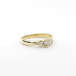 18ct yellow gold three stone diamond set ring