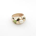 9ct yellow gold peridot and pearl dress ring